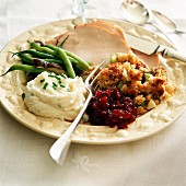 Turkey slices with accompaniments for Thanksgiving (USA)