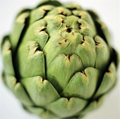 Green artichoke (close-up)