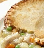 Chicken Pot Pie (Hähnchenpastete, USA), angeschnitten
