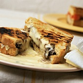 Grilled Fontina and Mushroom Sandwich
