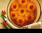 Ananaskuchen mit Belegkirschen