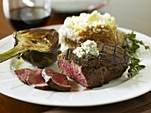 Filet migon with Gorgonzola and artichoke