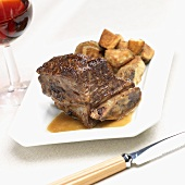 Braised Beef Short Ribs with Roasted Potatoes; Red Wine