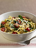 Linguine alla calabrese (Pasta with tomatoes and basil)