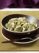 Spinach pasta with cream sauce