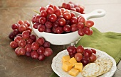 Fresh Red Grapes with Cheese and Crackers