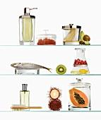 Lebensmittel in Behältern (Symbol: Inhaltsstoffe in Kosmetik)