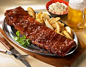 Barbecue Spare Ribs with Oven Fries and Beer