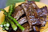 Grilled Spare Ribs with Green Asparagus