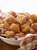 Strufili: Italian Fried Dough Balls in Honey