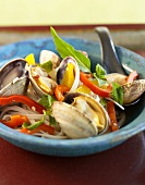 Clams with Bell Peppers and Rice Noodles