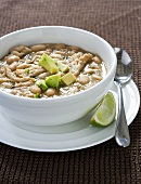 Chicken chilli with white beans and avocado