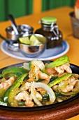 Garnelen mit Paprika und Zwiebeln (Füllung für Fajita)