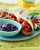 Fajitas with shrimps and black beans