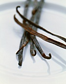 Several vanilla pods