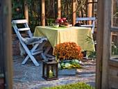 Herbststimmung auf Terrasse - Abendbrot für Zwei