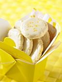 Plätzchen mit Zitronenglasur