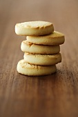 Five shortcake biscuits