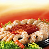 Prawn ring with cocktail sauce