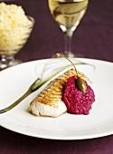 Weissfisch mit Rote-Bete-Pesto und Kaper