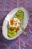 Fresh goat's cheese with caramel and kiwi