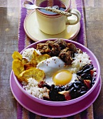 Pabellon criollo (beans with meat and fried egg, Venezuela)