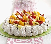 Pavlova (meringue cake, Australia) with fruit and berries