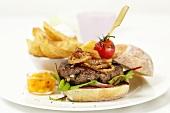Hamburger mit Ciabattabrötchen, Mangochutney & Baked Potatoes