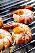 Barbecued shrimp kebabs with apricots