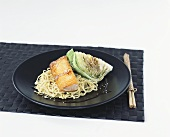 Egg noodles with salmon, teriyaki sauce & iceberg lettuce (Japan)