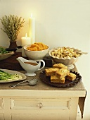 Accompaniments for Thanksgiving meal (USA)