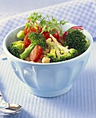 Broccoli salad with chick-peas and tomatoes