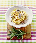 Fettuccine with mushrooms and sage and bacon sauce