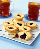English mince pies (filled with mincemeat)