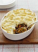 Shepherd's pie (mince with mashed potato topping, UK)