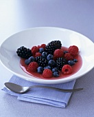 Berry salad with dressing