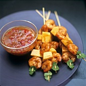 Shrimp and mango kebabs with spicy sauce