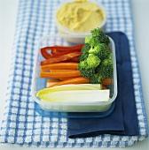 Gemüse mit Kichererbsendip