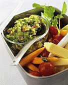 Raw vegetable salad with guacamole
