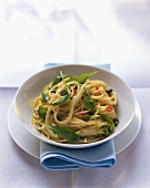 Spaghetti all'abbruzzese (Spaghetti with rocket, capers & chilli)