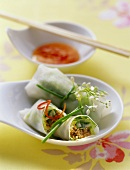 Spring rolls with pork and peanuts