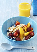 Oat muesli with fresh fruit