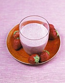 Almond buttermilk with strawberries