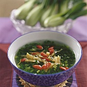 Spinach soup with dried scallops (China)
