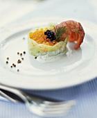 Steingarnele auf Aalmousse-Kaviar-Törtchen