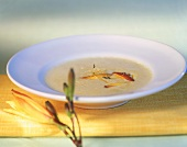 Creamed soup with flowers