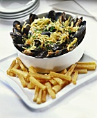 Mussels with chips