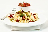 Farfalle with cherry tomatoes and basil