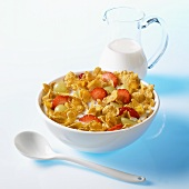 Cornflakes with grapes, strawberries and milk