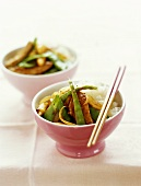 Chicken fillet with mangetout and rice